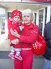 Немилостивая Даша с мамой в аэропорту